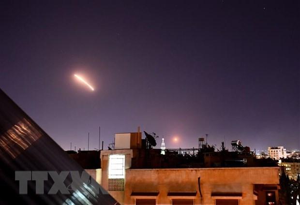Israel tan cong ten lua vao Syria khien 9 nguoi thuong vong hinh anh 1