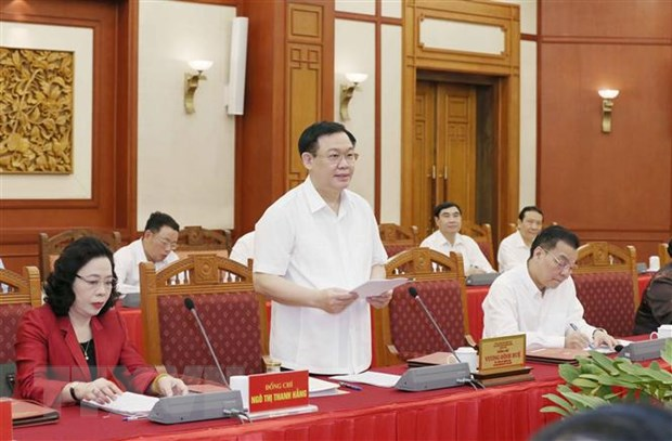 Tap the Bo Chinh tri lam viec voi Ban Thuong vu Thanh uy Ha Noi hinh anh 1