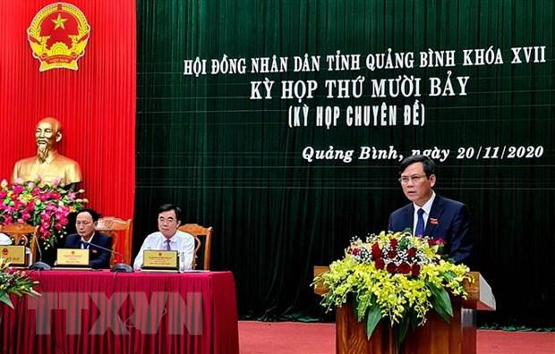 Thu tuong phe chuan nhan su UBND hai tinh Quang Binh, Hoa Binh hinh anh 1