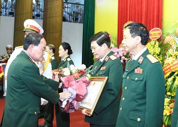 Bo Quoc phong trao danh hieu Thay thuoc Nhan dan, Thay thuoc Uu tu hinh anh 1