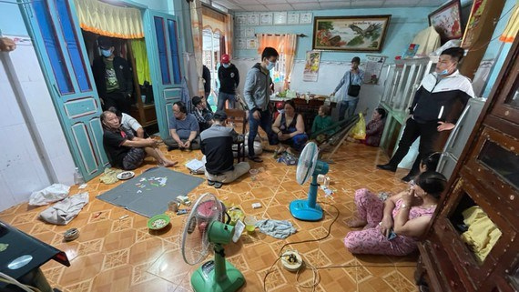 Tien Giang: Khoi to, bat tam giam 3 phu nu co hanh vi danh bac hinh anh 1