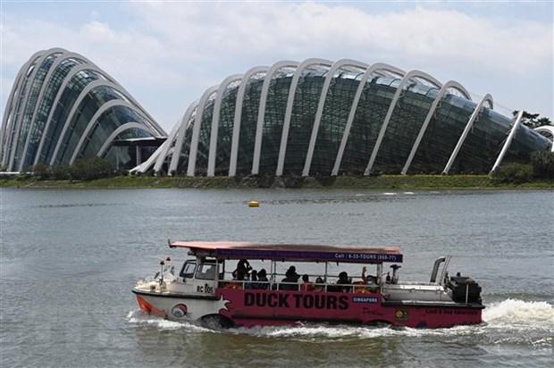 "Phap phong ""bong bong du lich"" giua Singapore va Hong Kong hinh anh 1"