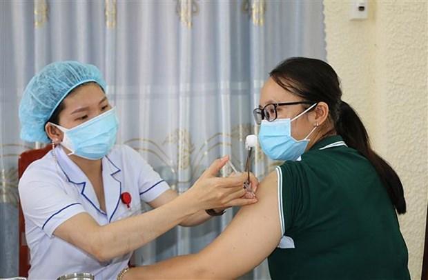 Ninh Binh, Dong Thap, Dong Nai day nhanh tien do tiem vaccine COVID-19 hinh anh 1
