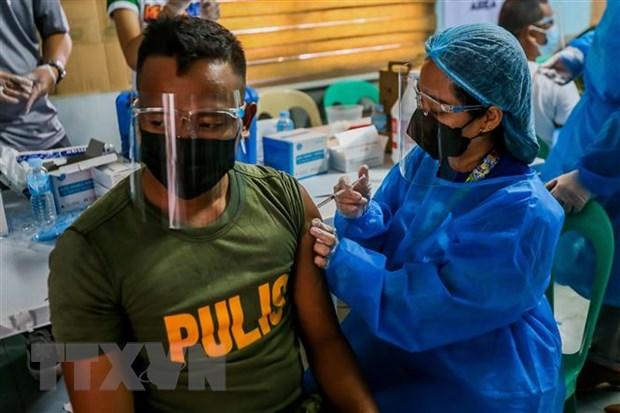 Philippines canh bao phat tu nhung nguoi tu choi tiem vaccine hinh anh 1
