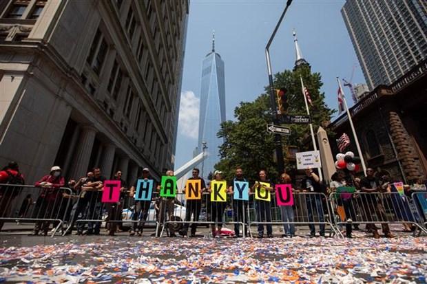 New York dieu hanh ton vinh nhung nguoi hung chong COVID-19 hinh anh 1