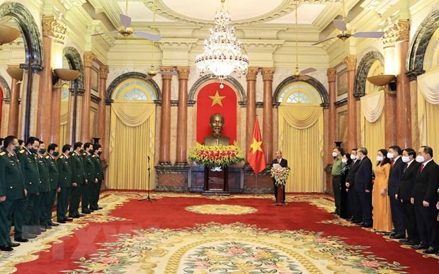 Thang quan ham Dai tuong va Thuong tuong cho 2 lanh dao Bo Quoc phong hinh anh 1
