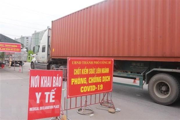 Quang Ninh: Nam thanh nien dung 400.000 dong de vuot chot kiem soat hinh anh 1
