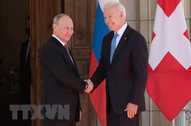 Tổng thống Mỹ Joe Biden (phải) và Tổng thống Nga Vladimir Putin (trái) trong cuộc gặp tại Geneva, Thụy Sĩ, ngày 16-6-2021. Ảnh: AFP/TTXVN