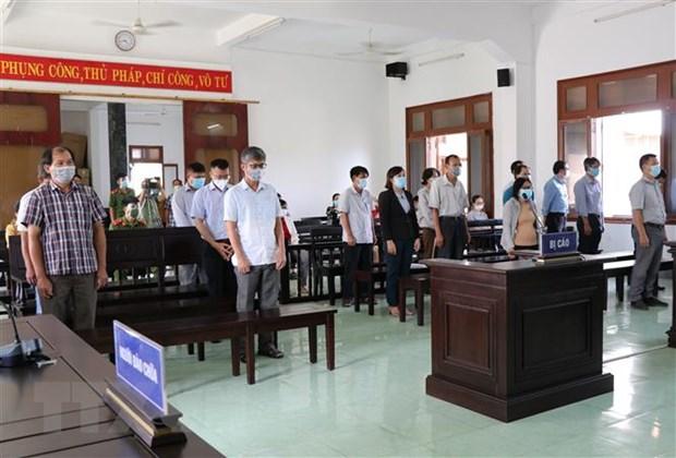 Phu Yen: Tuyen an so tham voi 18 bi cao trong vu lo de thi cong chuc hinh anh 1