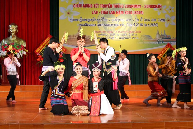 Luu hoc sinh Lao va nhung dieu 'chi o Viet Nam moi co' hinh anh 10