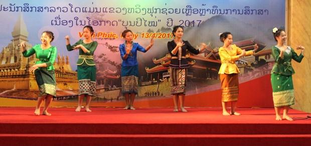 Luu hoc sinh Lao va nhung dieu 'chi o Viet Nam moi co' hinh anh 11