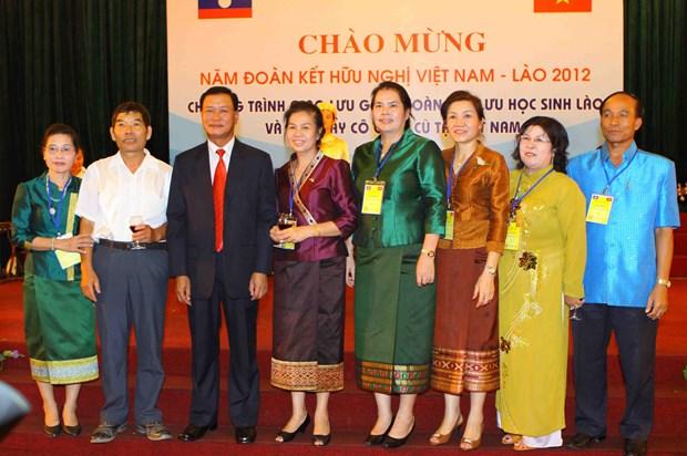 Luu hoc sinh Lao va nhung dieu 'chi o Viet Nam moi co' hinh anh 6