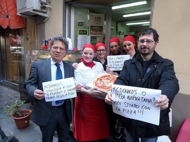 McDonald's che pizza Napoli, Quoc hoi Italy