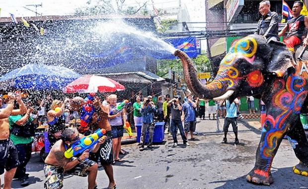 Thai Lan thu gan 2 ty USD tu Tet Te nuoc co truyen Songkran hinh anh 1