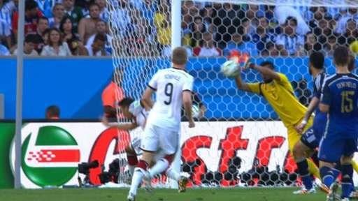 Duc-Argentina 1-0: Goetze dua tuyen Duc len dinh the gioi hinh anh 11