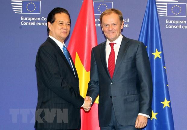 Lanh dao Viet Nam-EU ra tuyen bo bao chi chung thuc day hop tac hinh anh 1