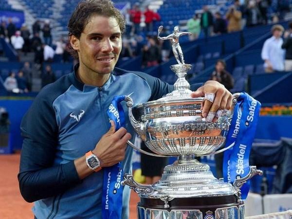 Rafael Nadal noi gi sau khi lap ky luc moi tai Barcelona Open? hinh anh 1