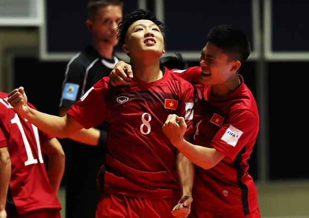 Lich truc tiep: Viet Nam doi dau Nga o vong 1/8 Futsal World Cup hinh anh 1