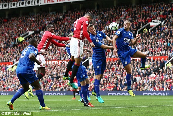 Can canh Manchester United chien thang vui dap Leicester City hinh anh 1