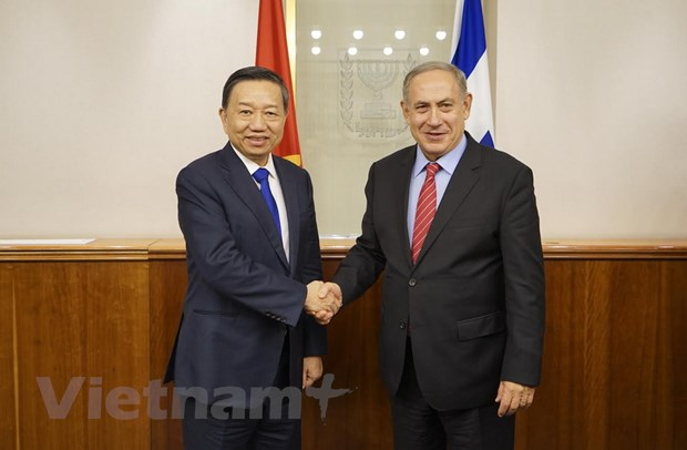 Bo truong Cong an To Lam tham va lam viec tai Israel hinh anh 1