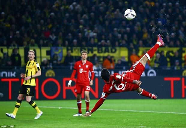 Aubameyang lap cong giup Dortmund danh bai Bayern Munich hinh anh 2