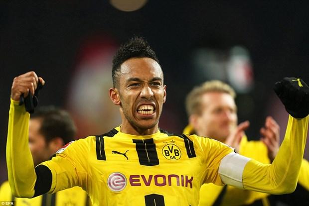 Aubameyang lap cong giup Dortmund danh bai Bayern Munich hinh anh 1