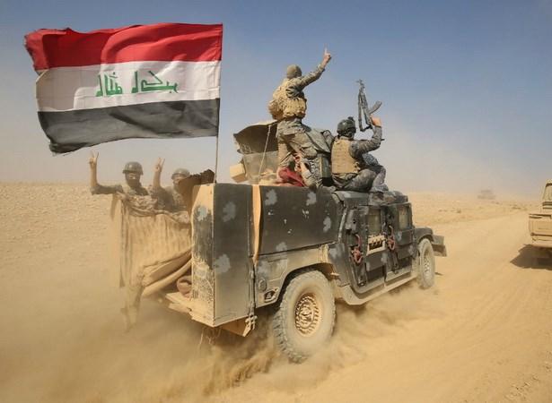 [Video] Iraq trien khai chien dich tan cong IS gan bien gioi Syria hinh anh 1