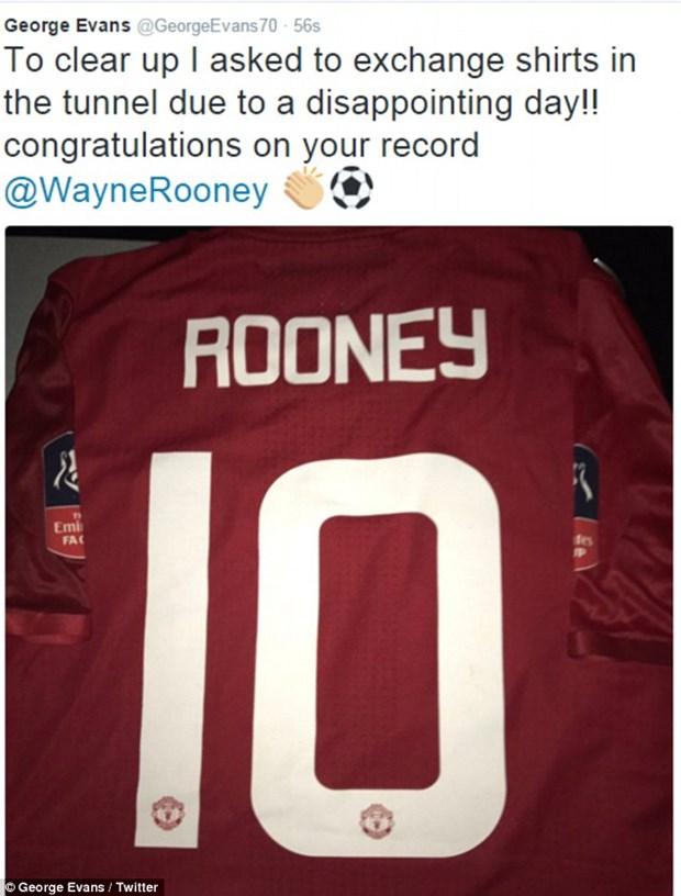 Cau thu Reading len tieng sau vu tu choi doi ao voi Rooney hinh anh 2