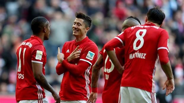 Bayern - Hamburg 8-0: Ancelotti, Muller va nhung dieu moi la hinh anh 4