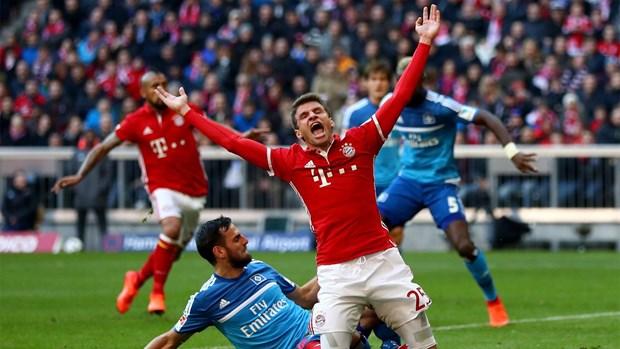 Bayern - Hamburg 8-0: Ancelotti, Muller va nhung dieu moi la hinh anh 1