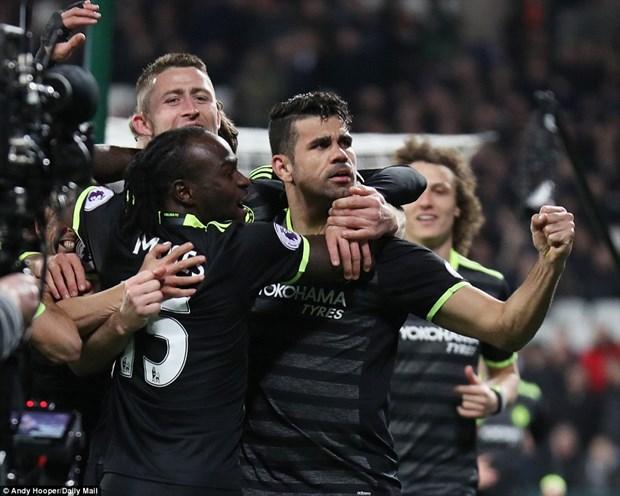 Hazard va Costa lap cong, Chelsea tien buoc dai toi chuc vo dich hinh anh 1