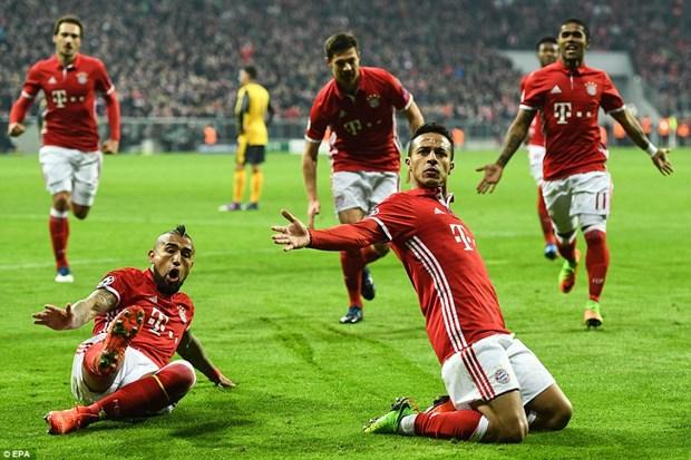 Giam doc dieu hanh Bayern: Chi con Real xep phia tren chung toi hinh anh 4
