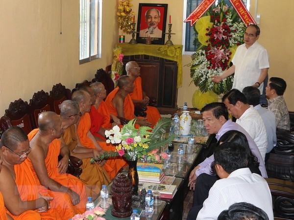 Uy ban MTTQ Viet Nam chuc Tet Chol Chnam Thmay tai Hau Giang hinh anh 1