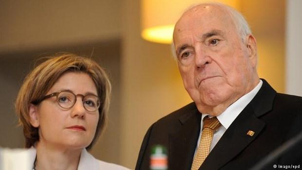 Tang le cuu Thu tuong Duc Helmut Kohl tro thanh chu de tranh cai hinh anh 1
