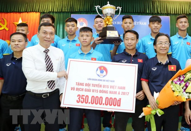Vo dich Dong Nam A, U15 Viet Nam duoc thuong 400 trieu dong hinh anh 1