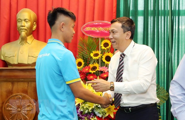 Vo dich Dong Nam A, U15 Viet Nam duoc thuong 400 trieu dong hinh anh 2