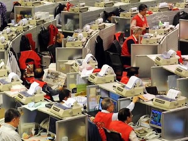 Chung khoan Hong Kong da vot muc cao nhat trong hai nam qua hinh anh 1