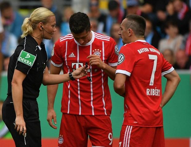Nhung thay doi dang chu y tai Bundesliga mua giai 2017-18 hinh anh 2