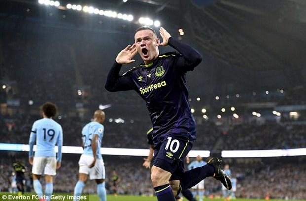 """""""Pha luoi"""" Man City, Wayne Rooney di vao lich su Premier League hinh anh 1"""