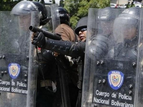 Bang nhom toi pham o Venezuela dau sung, gan 30 nguoi thuong vong hinh anh 1