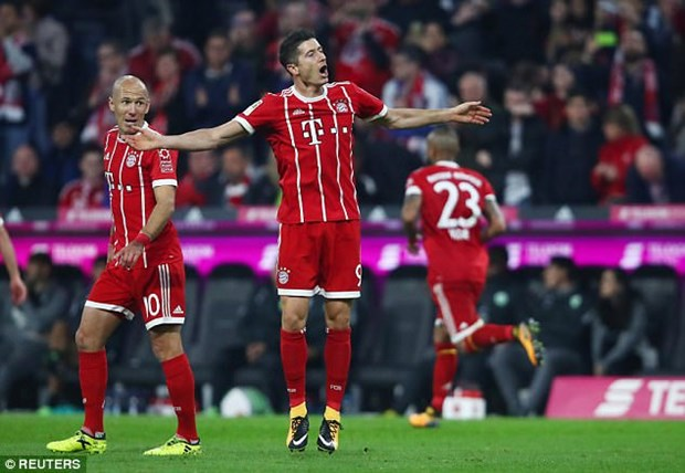 Bayern Munich danh roi chien thang dang tiec ngay tren san nha hinh anh 2