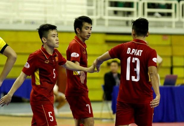 Tuyen Futsal Viet Nam vao ban ket bang chien thang huy diet hinh anh 1