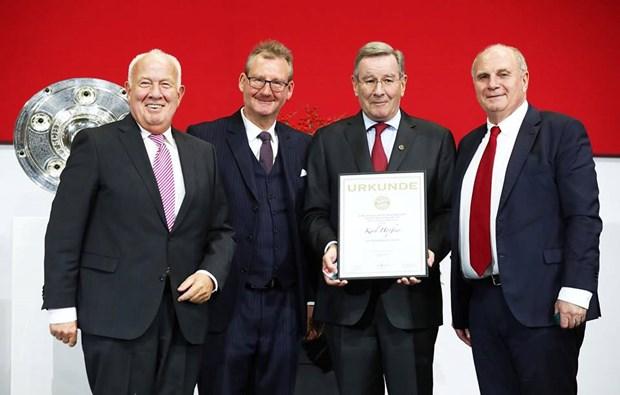 Chu tich Uli Hoeness: Bayern 'dang trong tinh trang tuyet voi' hinh anh 4