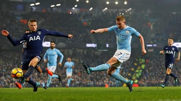 Kevin De Bruyne: Bi dup, nghi ngo dong tinh & so 1 Premier League hinh anh 3