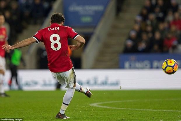 Man United danh roi chien thang o phut bu gio trong the hon nguoi hinh anh 1