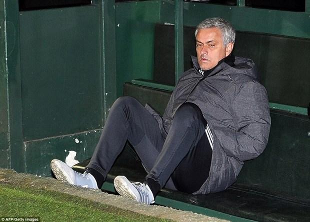 Alexis Sanchez toa sang giup Manchester United thang huy diet hinh anh 2