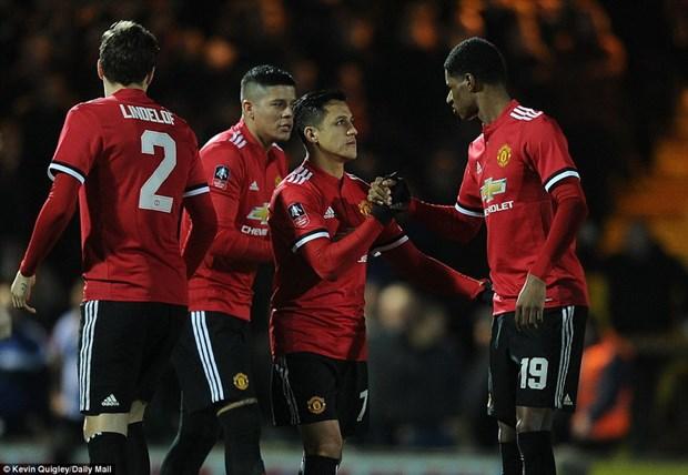Alexis Sanchez toa sang giup Manchester United thang huy diet hinh anh 1