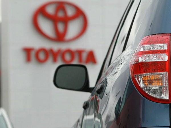 Toyota se mua lai co phan moi phat hanh cua cong ty JapanTaxi Co. hinh anh 1