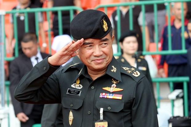 Tu lenh Luc quan Thai Lan bac tin don gap ong Thaksin va ba Yingluck hinh anh 1