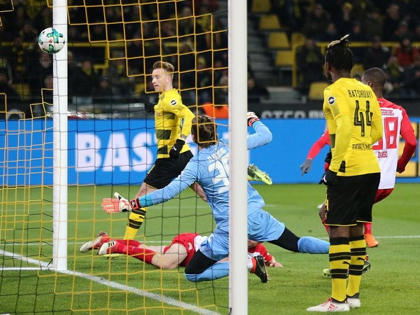 HLV Joachim Loew: Giai bai toan doi hinh den World Cup 2018 hinh anh 10